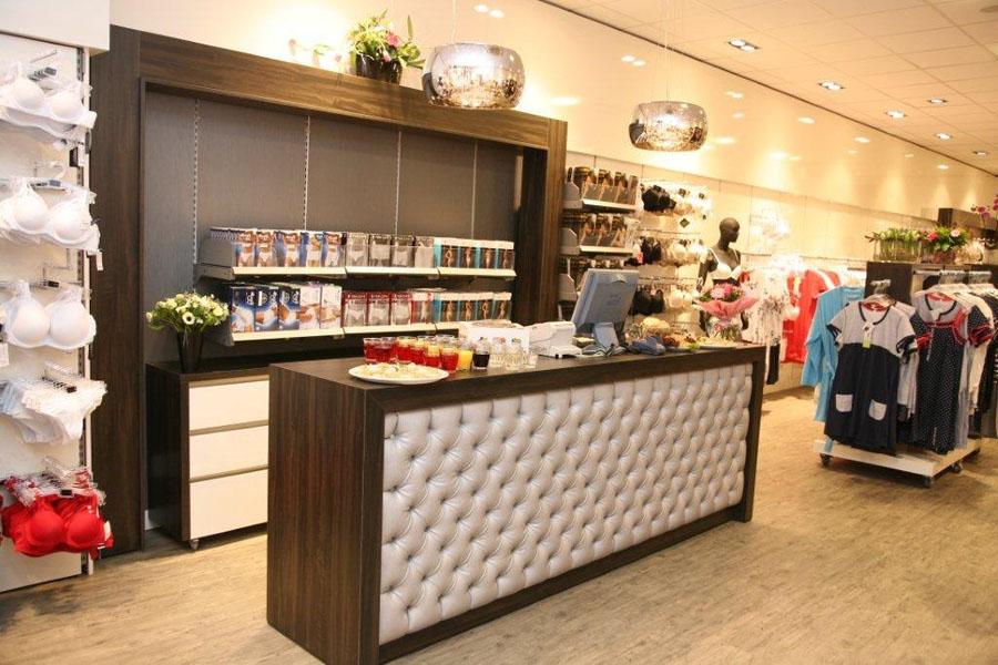 Toonbank PINK-winkel kunstleder DUX Senso FR Silver (Johns Meubel- en Autostoffeerderij)